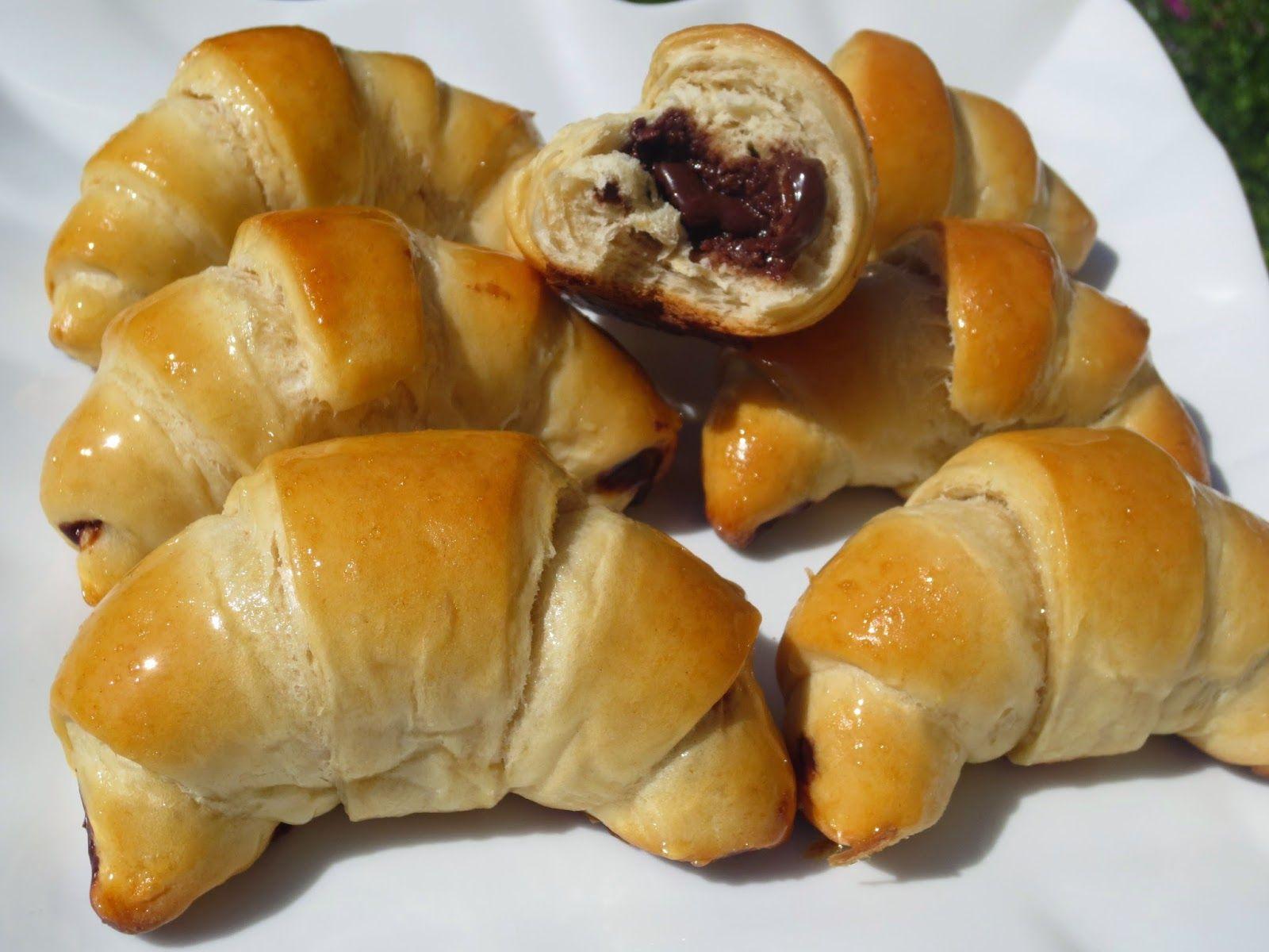 Cuernos o croisants rellenos de chocolate ana sevilla con - Bollycao thermomix ...