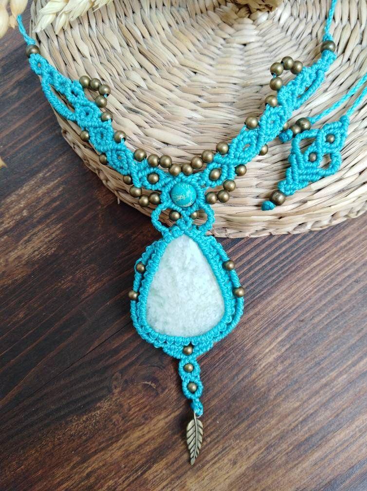 2bff06f3df8 Collar gargantilla con piedra angelita, collar azul, collar de ...