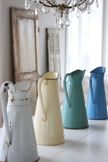 BEAUTIFY:  Gorgeous enamelware pitchers.  Want them!!  #springintothedream