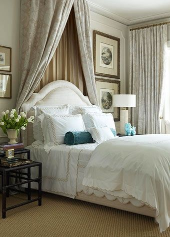 Beautiful bedroom I want to stay here for the night Totally yummy