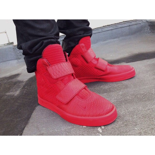 ALL RED EVERYTHING Nike Flystepper 2K3 Gym Red    nike  flystepper  2K3   kicks  kicksonfire  red  allredeverything ce387c7b0