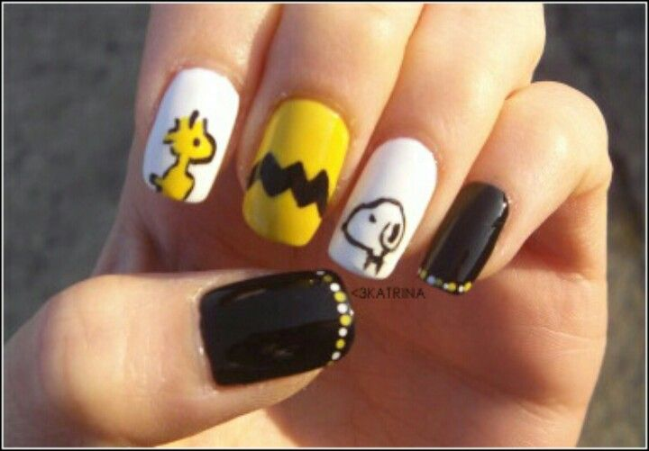 Snoopy nails snoopy nails pinterest snoopy nails snoopy and beauty and style peanuts nail art woodstock charlie brown and snoopy prinsesfo Gallery