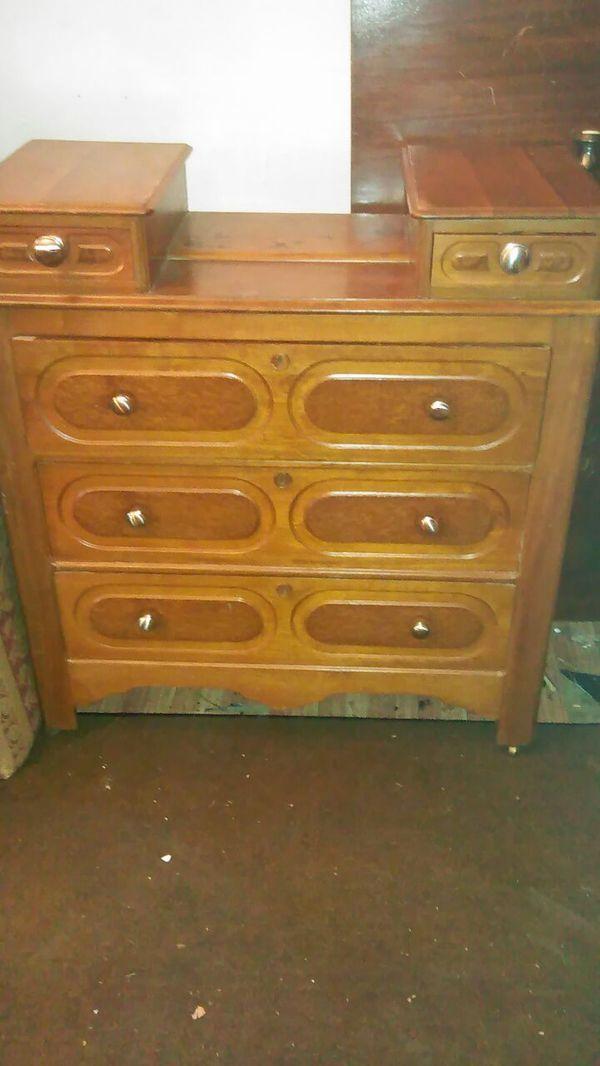 Very nice dresser
