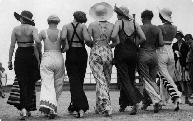 1930s beach pyjamas - gonna make one for ghee summer!