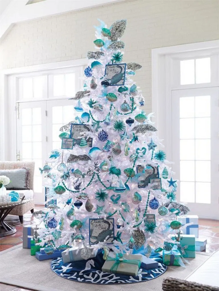 30 Classy And Elegant Floral Christmas Tree Ideas 11 White Christmas Tree Decorations White Christmas Trees Floral Christmas Tree