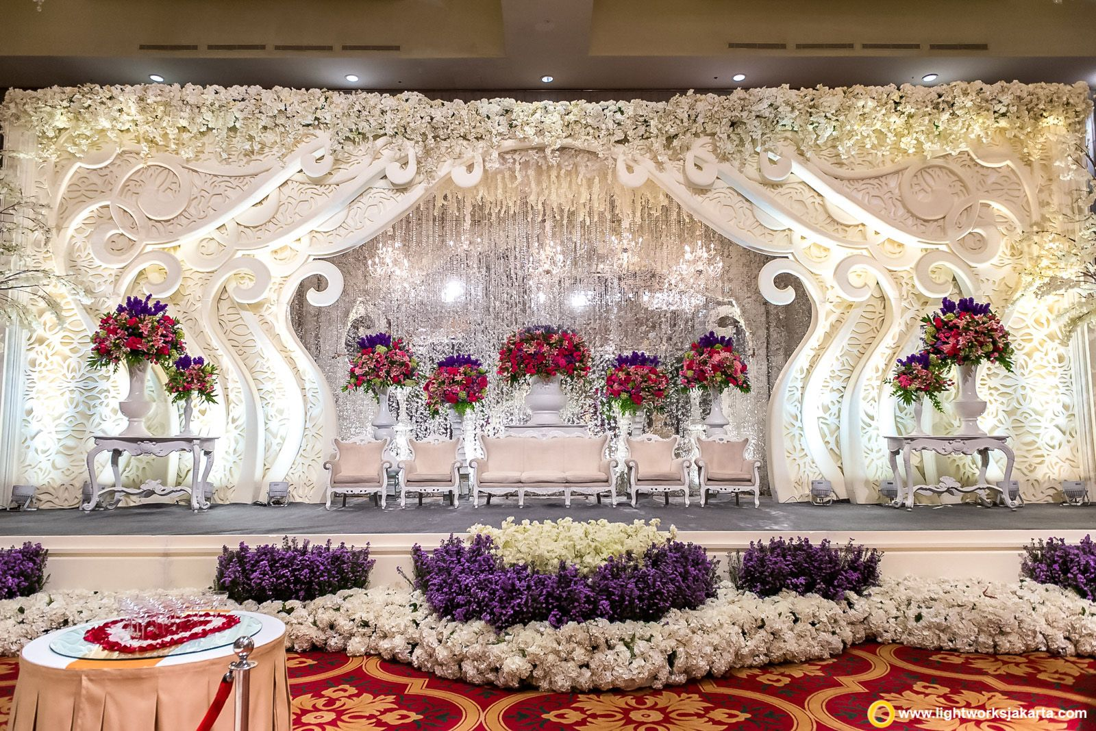Stunning stage decor ideas indian wedding stage decor ideas stunning stage decor ideas indian wedding stage decor ideas mirror and fairy lights as junglespirit Image collections