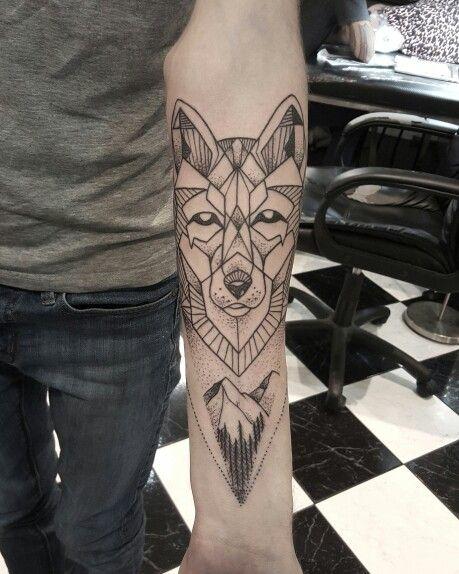 Geometry Wolf Customers Design Tatuaje Geometrico De Lobo Diseno Del Tatuaje De Lobo Disenos De Tatuajes Para Hombres