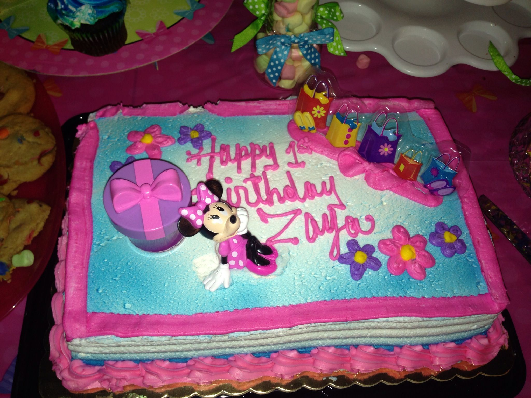 Supermarket Cake With Minnie Accessories Minnie Mouse Party Ideas