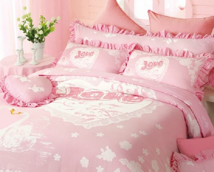 How to Choose the Perfect Bridal Bedspreads ... Pink-Wedding-Bedding └▶ └▶ http://www.pouted.com/?p=38117