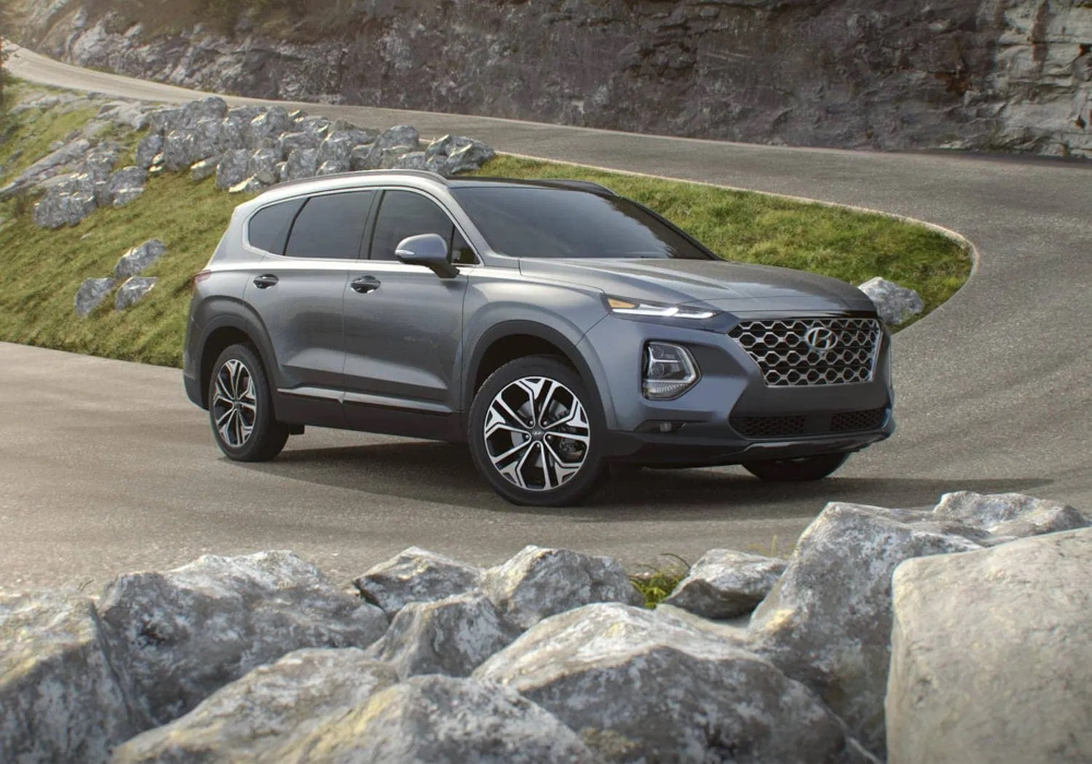 There Is No More Three Row Version But The 2021 Hyundai Santa Fe Will Make It Up To Its Fans With The More Efficient Version Hyundai Santa Fe Santa Fe Hyundai