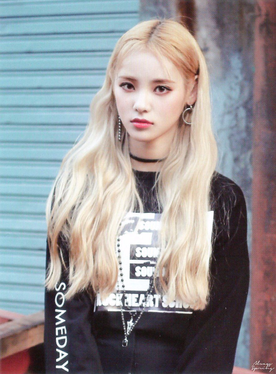 Idol Looks No Twitter Jinsoul Loona C Alwaysspring Odd Eyes Kpop Girls Girl