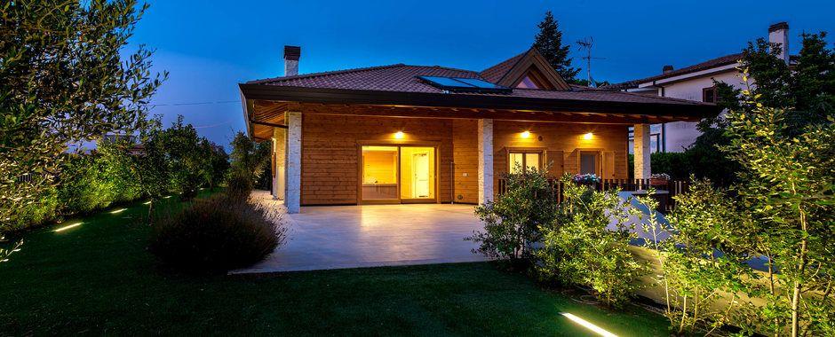 Costruire una casa in legno con rubner case unifamiliari for Costruire una casa in legno