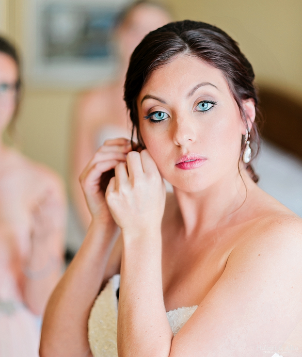 Wedding Entourage Hairstyle: Simple Wedding Makeup Can Make A Difference On Your