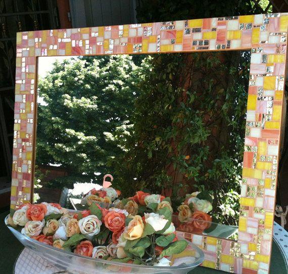 Specchio in mosaico di vetro tagliato a mano di LelucciolediPapi, €240.00