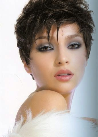 Coupe cheveux court femme forte