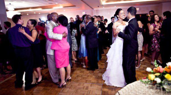 Real {Texas} Wedding: Tonya + Steven