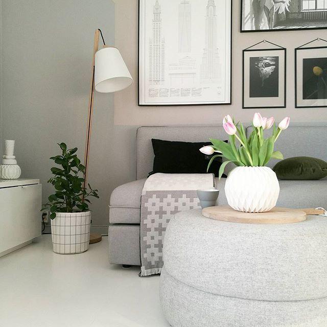 🔹Tulips 🔹 #myhome #mynordicroom #nordiskehjem #nordicinspiration #boligpluss #boligindretning #interior2you #interior4you #interior4all #interiorforinspo #homeinterior #skandinaviskehjem #kk_living #livingroom #interiors #interiordetails