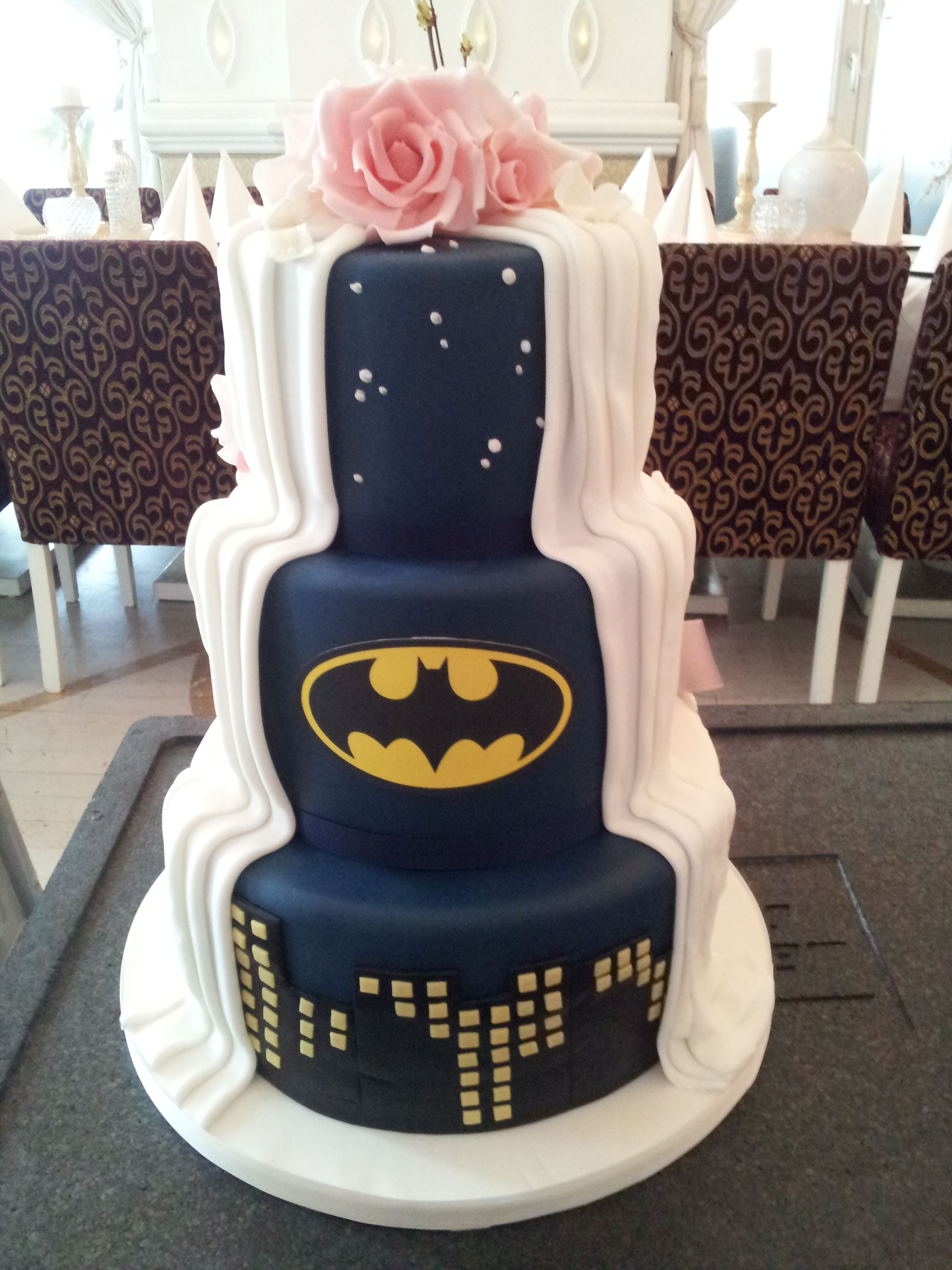 Superhelden Hochzeitstorte Www Thetinycakeboutique Com Torten
