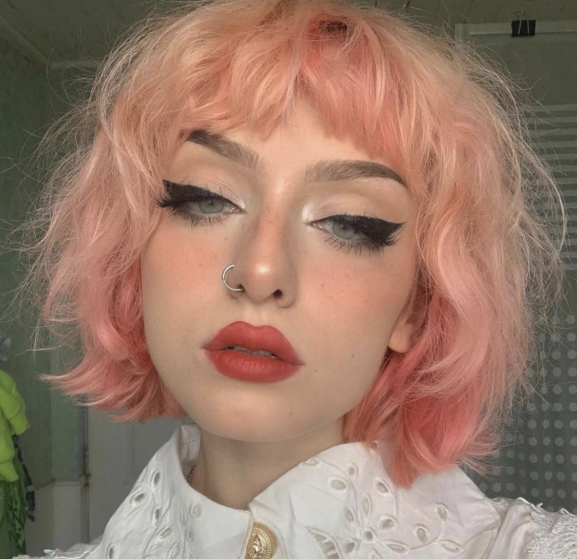 How Would I Go About Styling My Hair Like This Or Similar To This Also How Would You Describe The Style In 2020 Aesthetic Hair Pink Short Hair Pastel Pink Hair