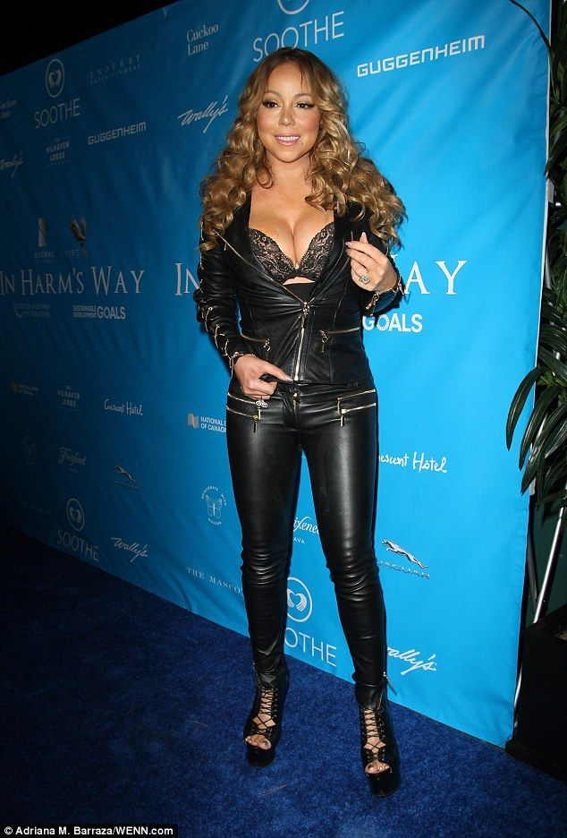Mariah Carey Drops Jaws As She Shows Off Black Lace Bra And Cleavage