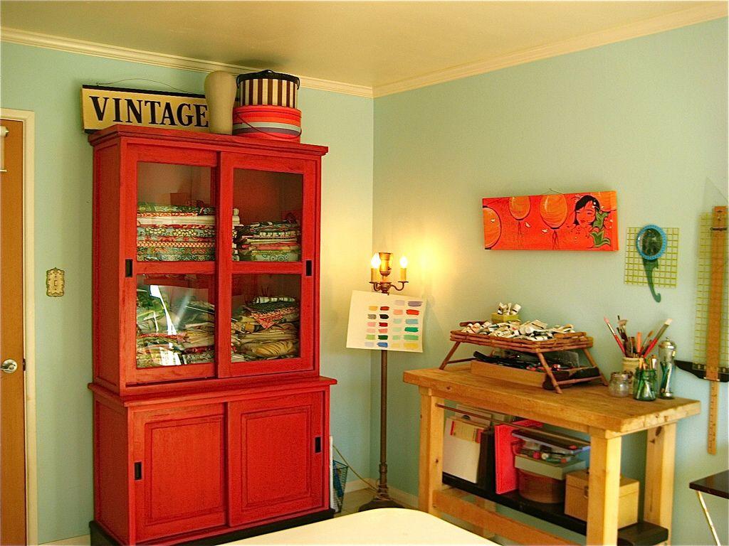 Armário vintage vermelho.   Meu Quarto   Pinterest   Red bookcase ...