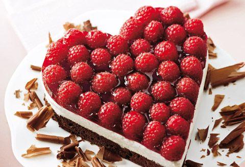 Schokoladen Herz Mit Himbeeren Und Topfencreme Schokoladige