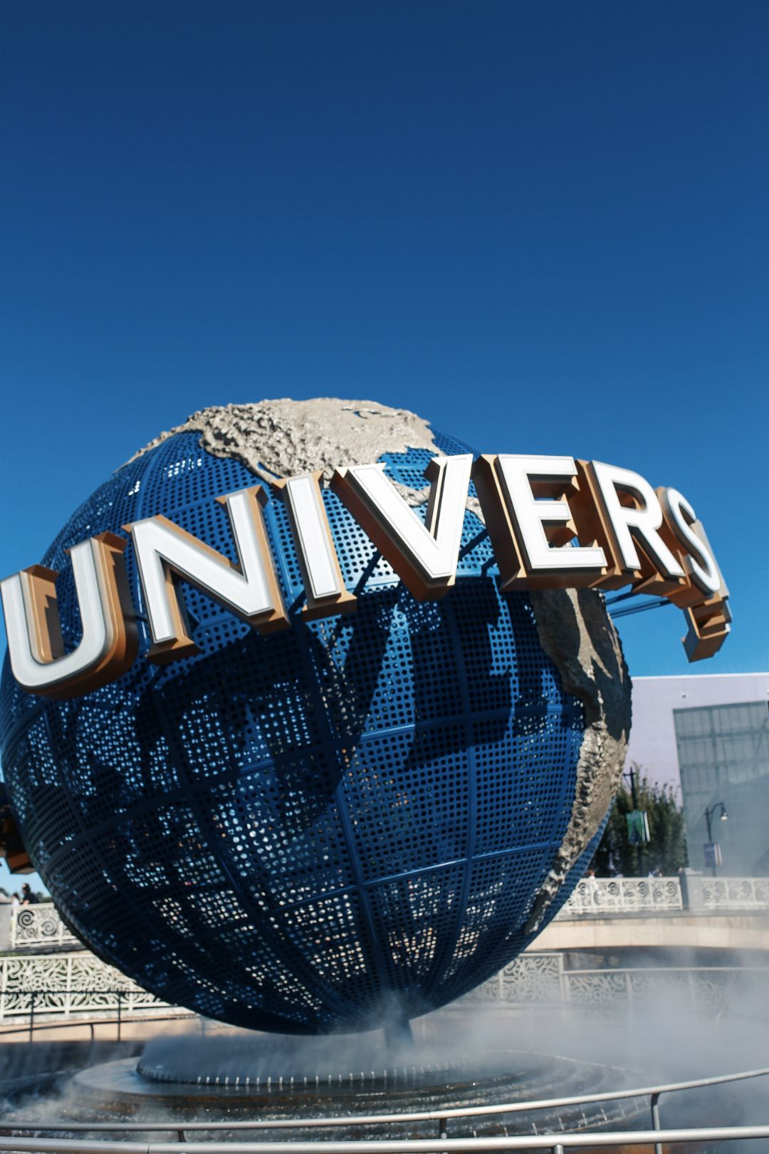 Stress Less With Universal S Express Pass The House Of Sequins Chicago Aesthetic Universal Studios Orlando Aesthetic Pictures