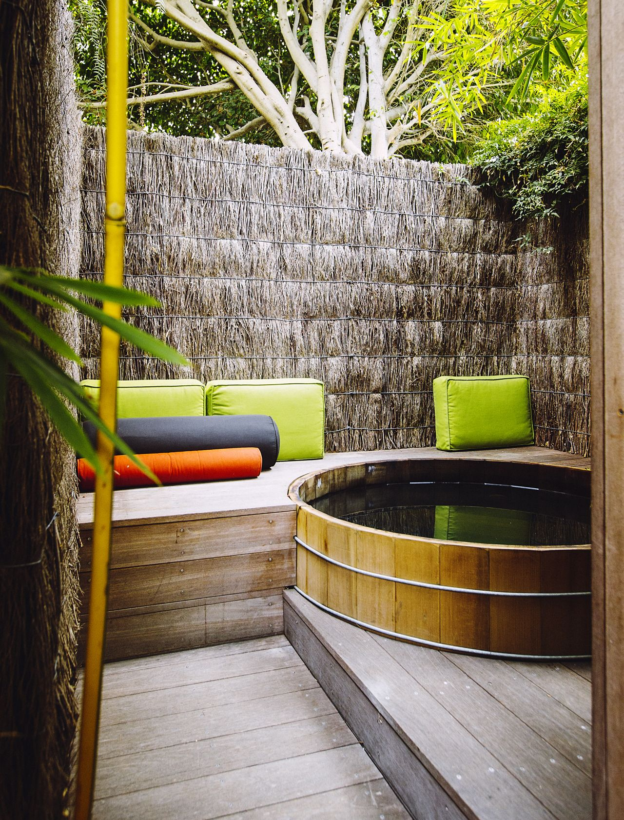 Sunset Makeover: 5 Stunning Ideas for Outdoor Rooms ... on Ab And Outdoor Living  id=45703