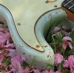 vintage guitar Blossom Fender stratocaster sonic blue
