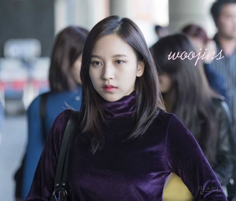 Female Idol Who Has An Odd Vibes In Her Which Is Known As The Characteristic Of Japanese Pannatic Mina Female Idol