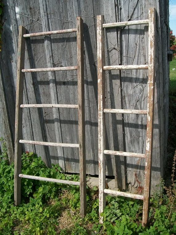 Rustic 4 Rung Antique Wood Ladder Collectible Towel Rack Or Quilt Display Choose A Vintage Surface Or Country Color