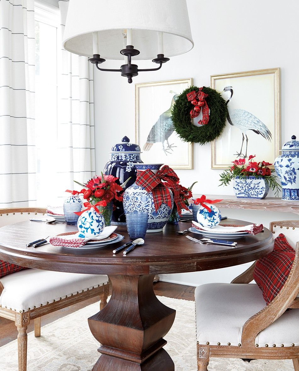 Table Setting Ideas Blue And White Ceramics And Plaid Fabric Christmas Dining Room Classic Table Table