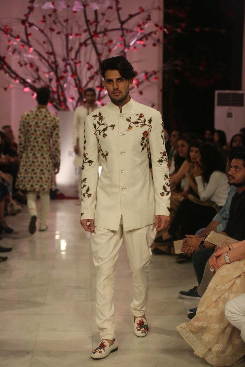 Fashion Design Council Of India Fdci India Fashion Men Indian Men Fashion Indian Groom Wear
