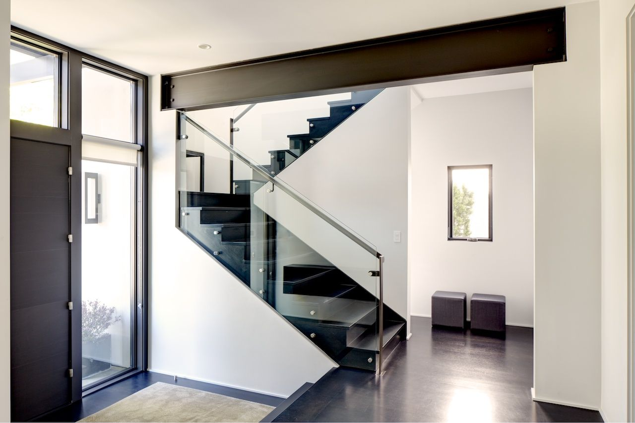 Deco Avec Ipn Apparent rho architects, exposed steel beam, black stairs, tall