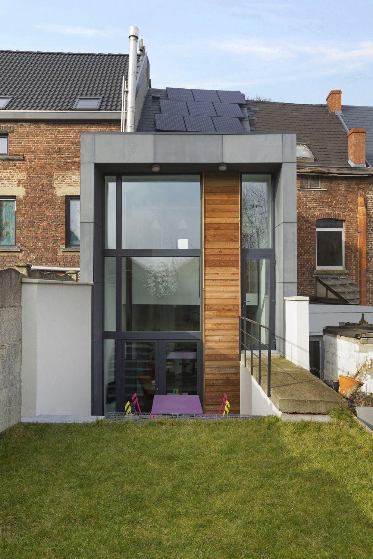 in beeld de gevel van dit smal rijhuis verbergt een verrassende woning met speelse. Black Bedroom Furniture Sets. Home Design Ideas