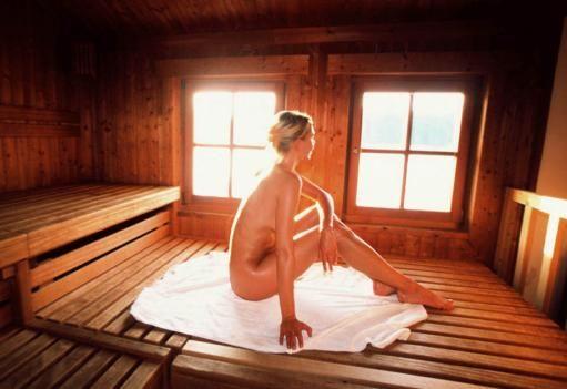 Nackt dampfbad 11 Orte