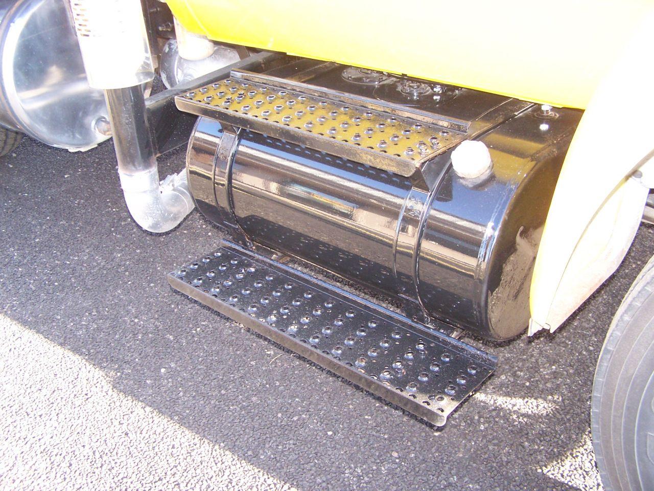 2005 Ford F750 . . . Dump Truck . . . PREEMISSION FILTERS
