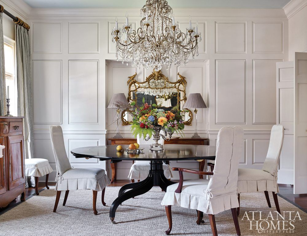In The Midst Of Exquisite Crystal Gilt And Antique Case Pieces A Regency Style Black Lacquer Dining Table Gives This Room Home Interior Lacquer Dining Table