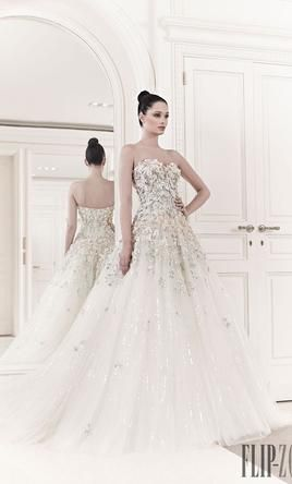 57d7b098acac Zuhair Murad Tiana: buy this dress for a fraction of the salon price on  PreOwnedWeddingDresses.com