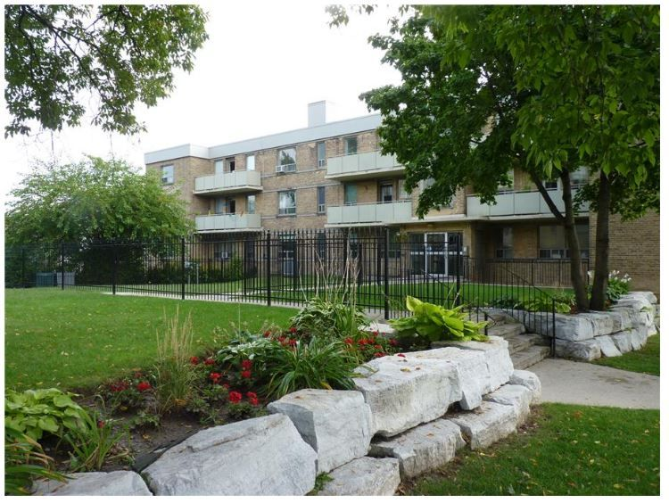Roxbury Manor By Gold Seal Management Inc Is A True Gem Nestled In A Quiet Community Just To The South Of The Kingsway Thi Apartments For Rent Etobicoke Rent