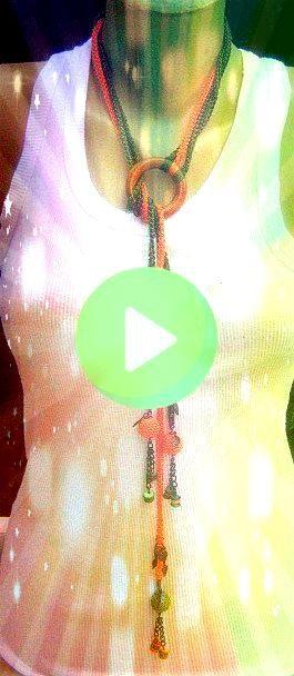 alluncinetto Collana arancione verde di AccessoriesByAtlas  Estate alluncinetto Collana arancione verde di AccessoriesByAtlas   Collier Fantaisie OCé Sharon Cascad...