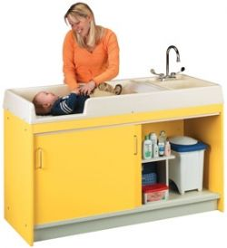 8540a Infant Changing Center Right Hand Assembled