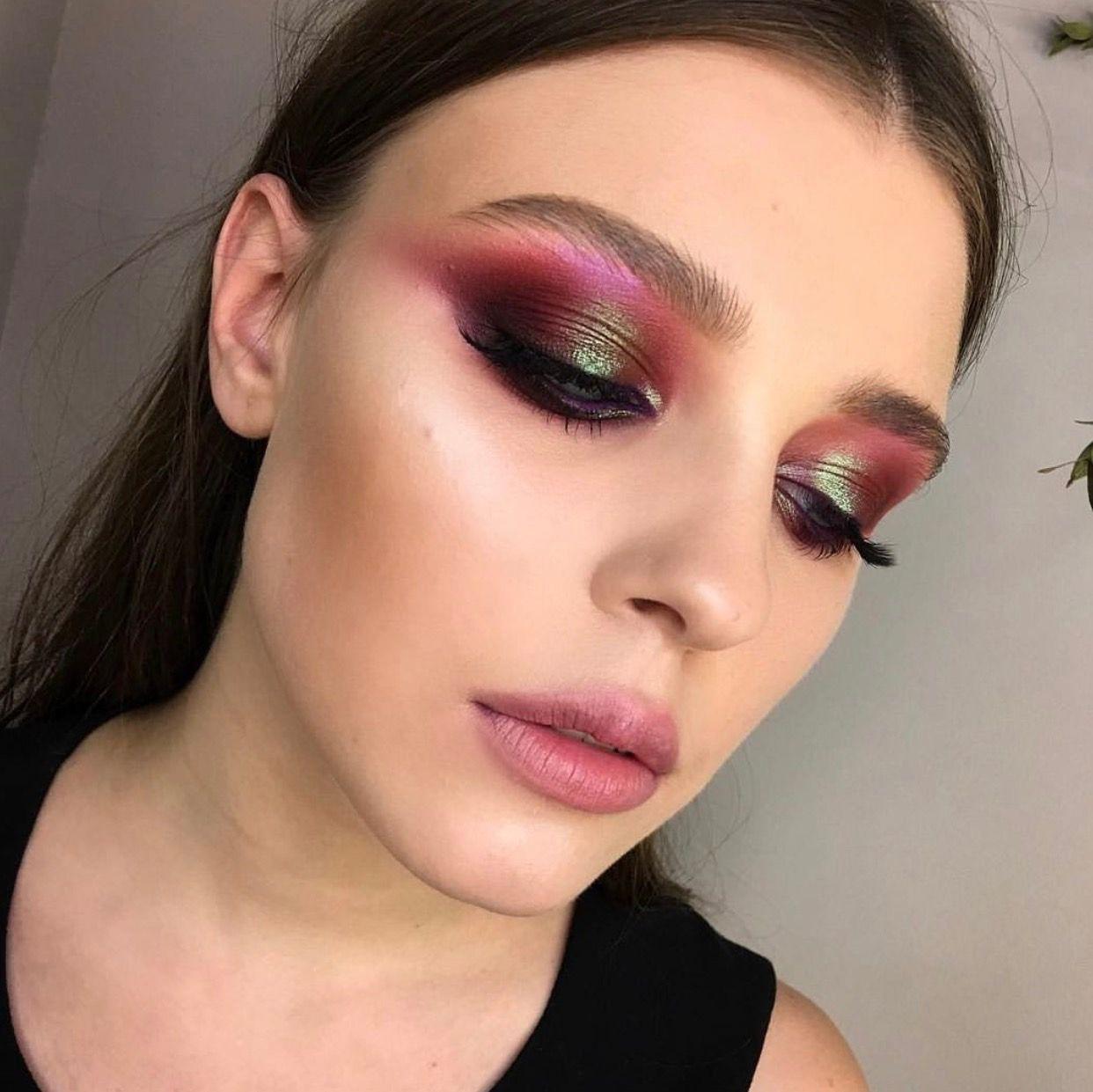Pin by Karah Peters on MU LOOKS I ️ Burgundy eye makeup