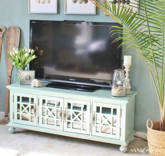 tv stand oh very beachy looking i like it it gives me an idea for my next move