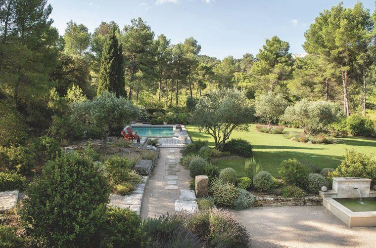 Maison familiale rénovée en Provence Jardin Pinterest