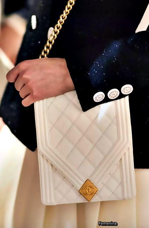 Chanel Resort 2019 -Bag chanel  bag   Chanel Bag   Pinterest   Sac, Chanel et  Cuir 4f83e6c6ced