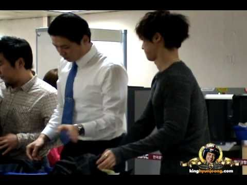 2012.12.15. KIM HYUN JOONG 김현중 fancam - Gimpo Airport (Pusan)/TIME 4:06 - POSTED 15DEC2012 - 10K VIEWS