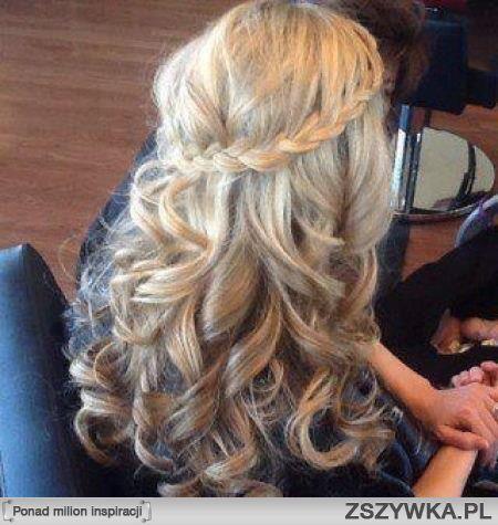 Fryzury Z Warkoczem I Lokami Szukaj W Google Hair