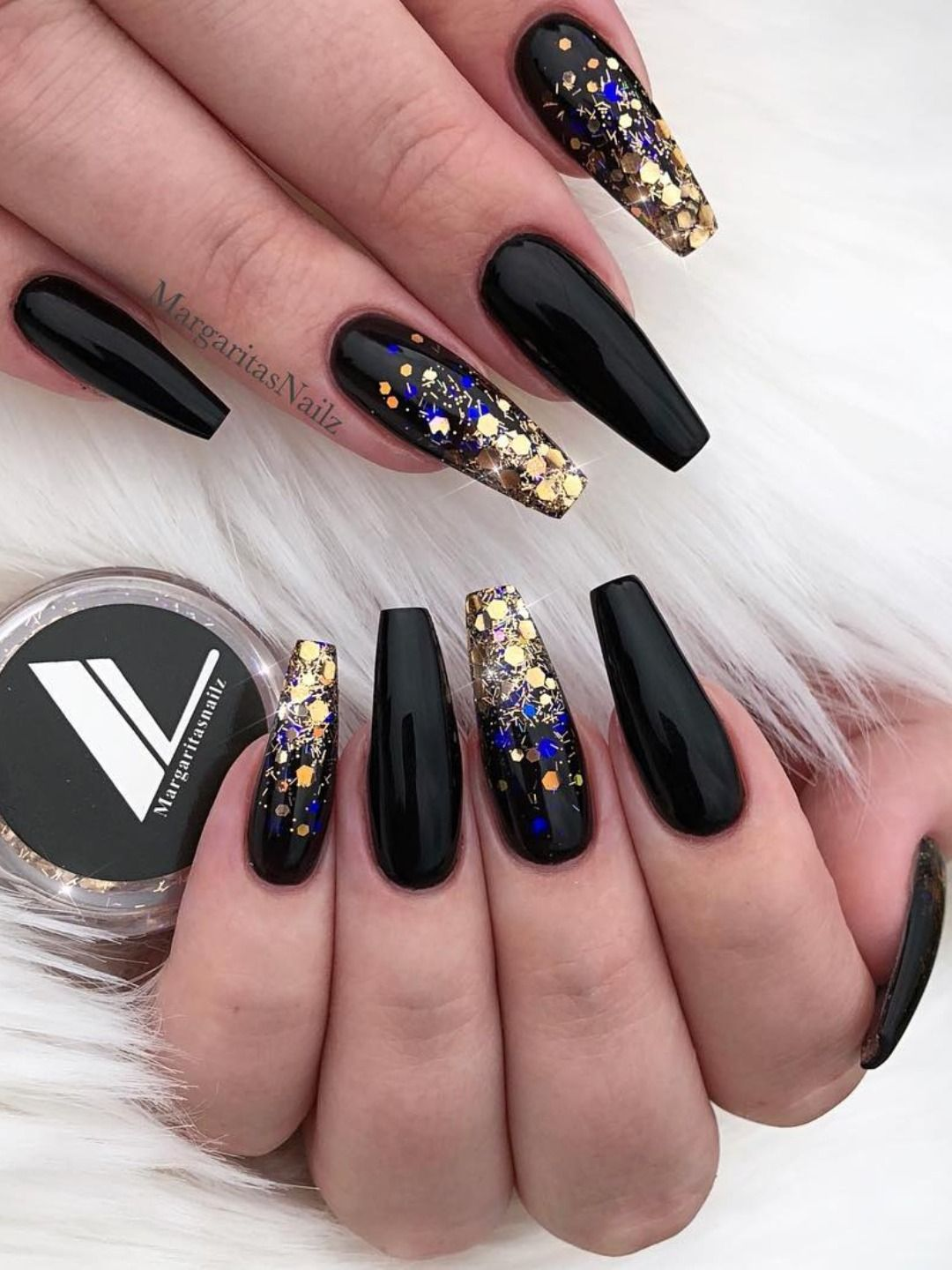 The Most Beautiful Black Winter Nails Ideas Black Gold Nails Gold Nails Coffin Nails Designs