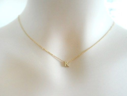 uppercasescriptfontinitial gold edge filled initial zoe hammered products pendant necklace eden